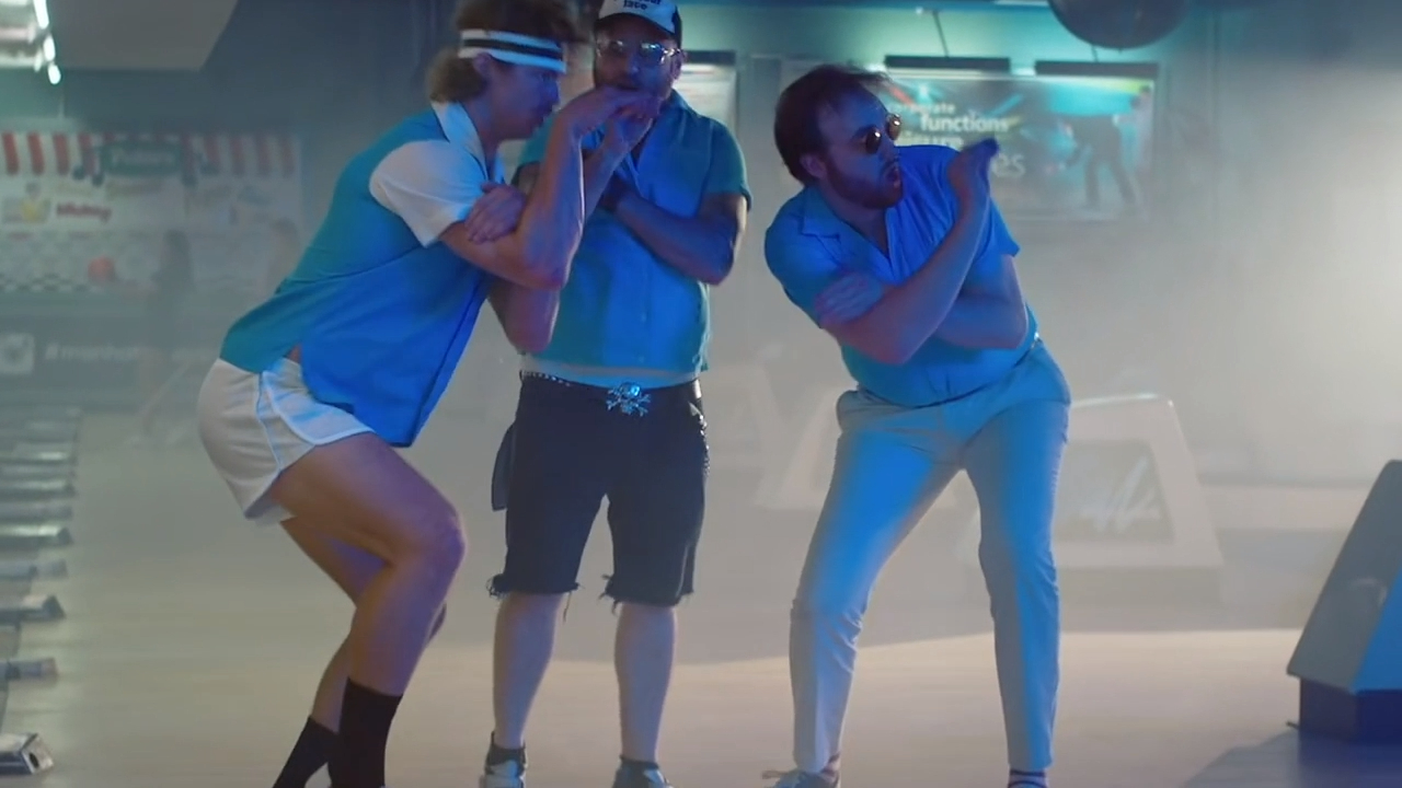 Nick Cummins makes a cameo in Guy Sebastian's music video