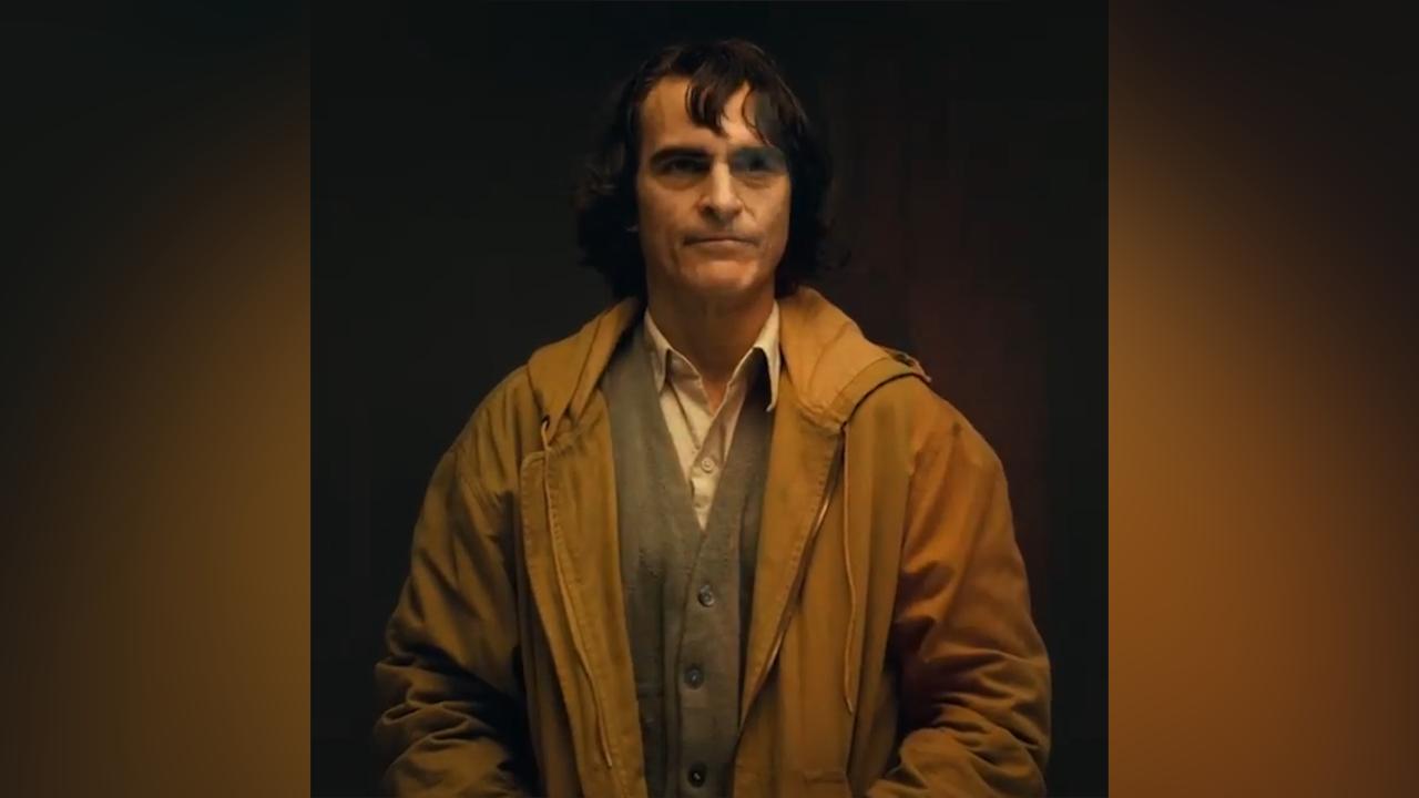 Joaquin Phoenix transforms into the Joker