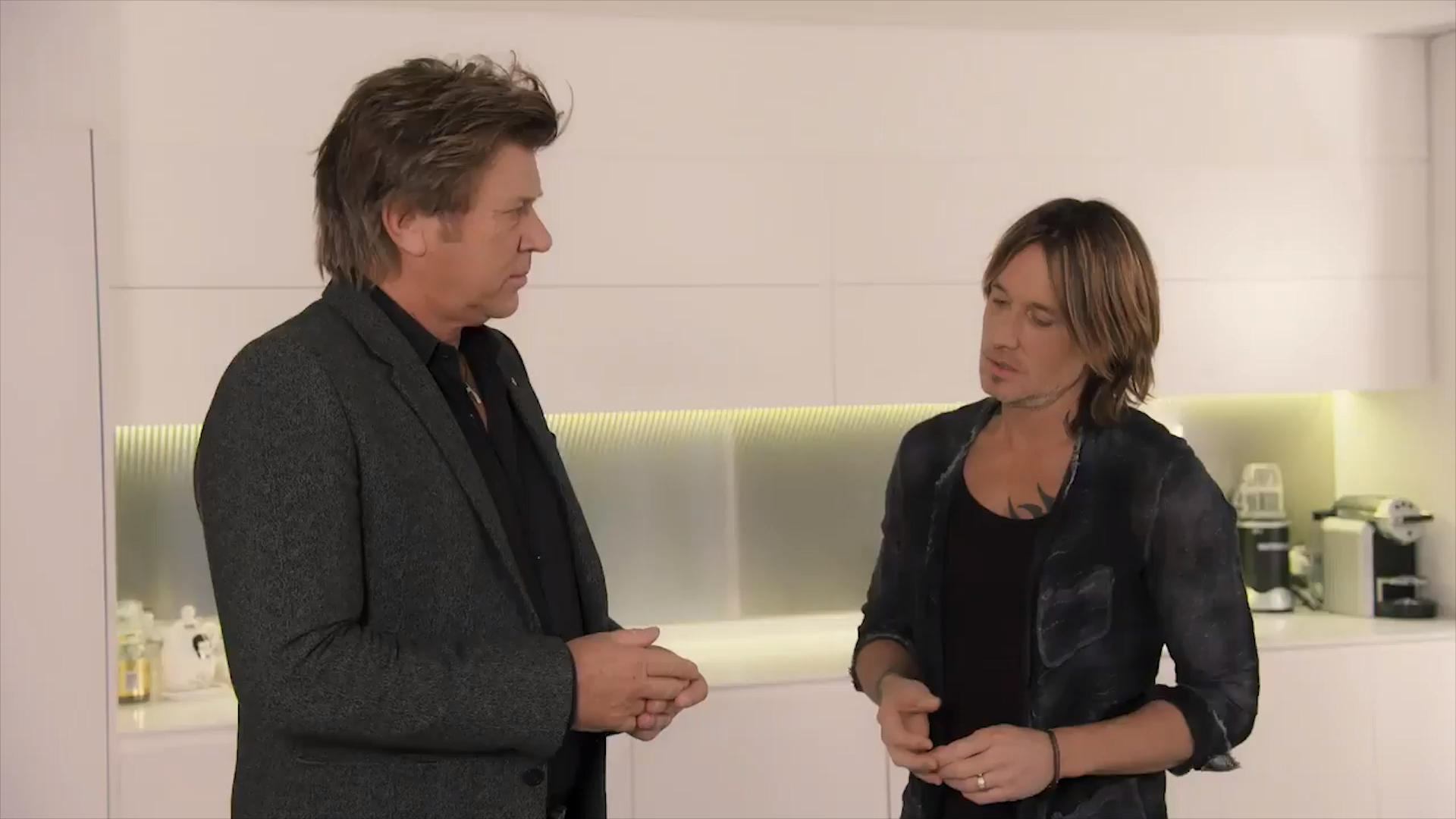 Keith Urban hilariously auditions to host this year's ARIA Awards