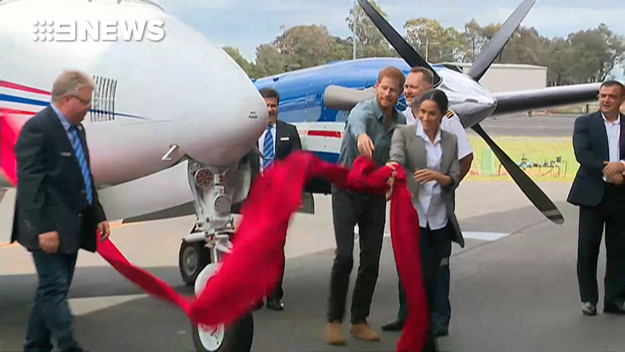 Prince Harry and Meghan unveil a new plane for the Royal Air Doctor Service in Dubbo