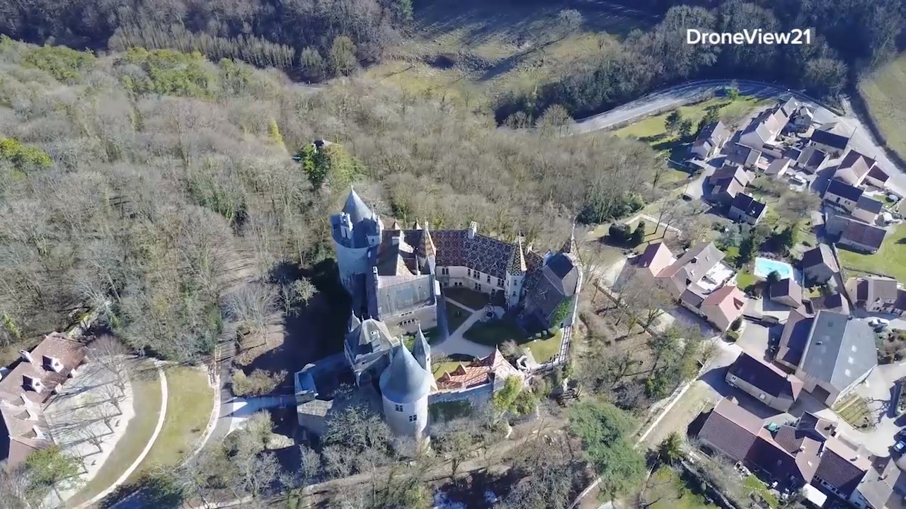The French chateau that housed a Ukrainian fugitive criminal