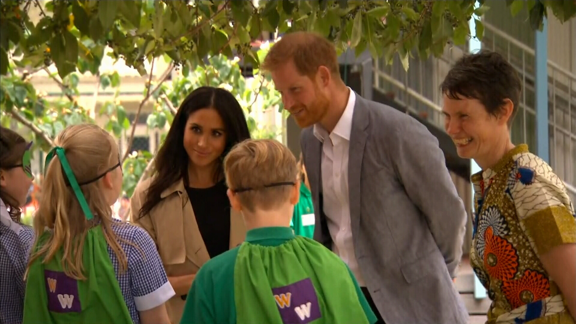 Prince Harry and Meghan visit Melbourne school