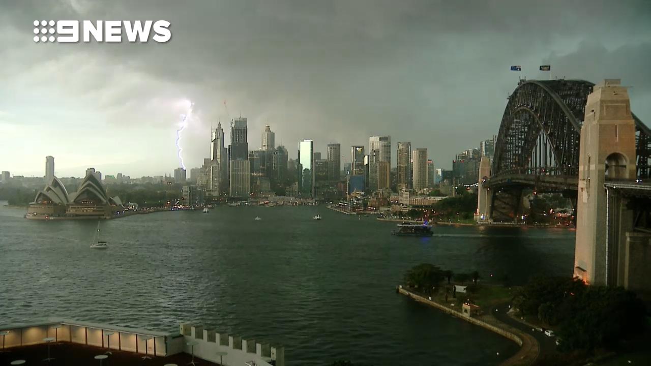 Sydney struck by lightning