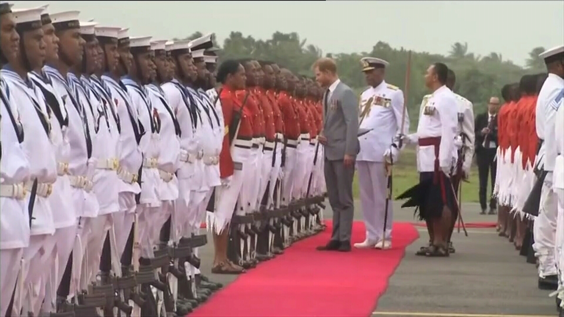 Prince Harry welcomed to Fiji with guard of Honour