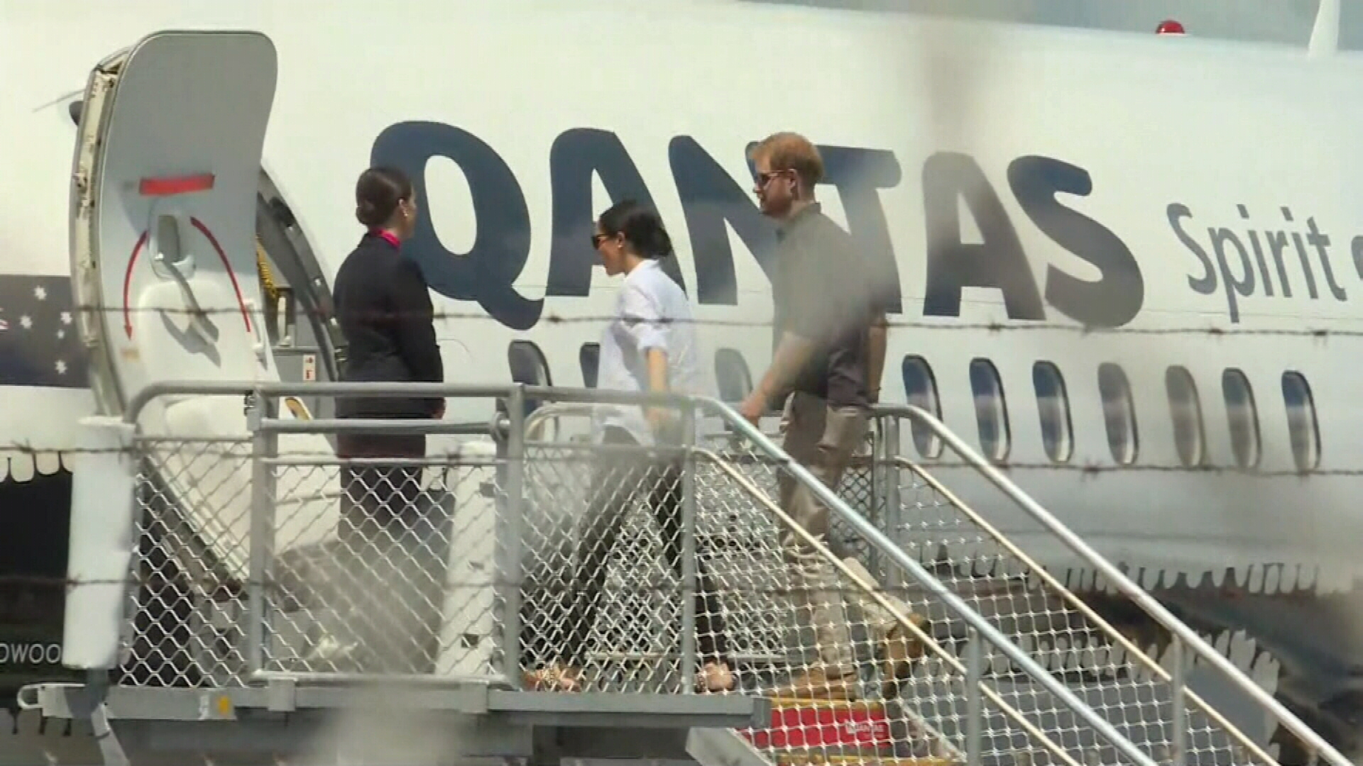 Prince Harry and Meghan leave Fraser Island