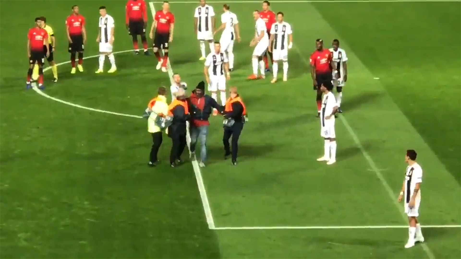 Pitch invader desperate to meet Ronaldo