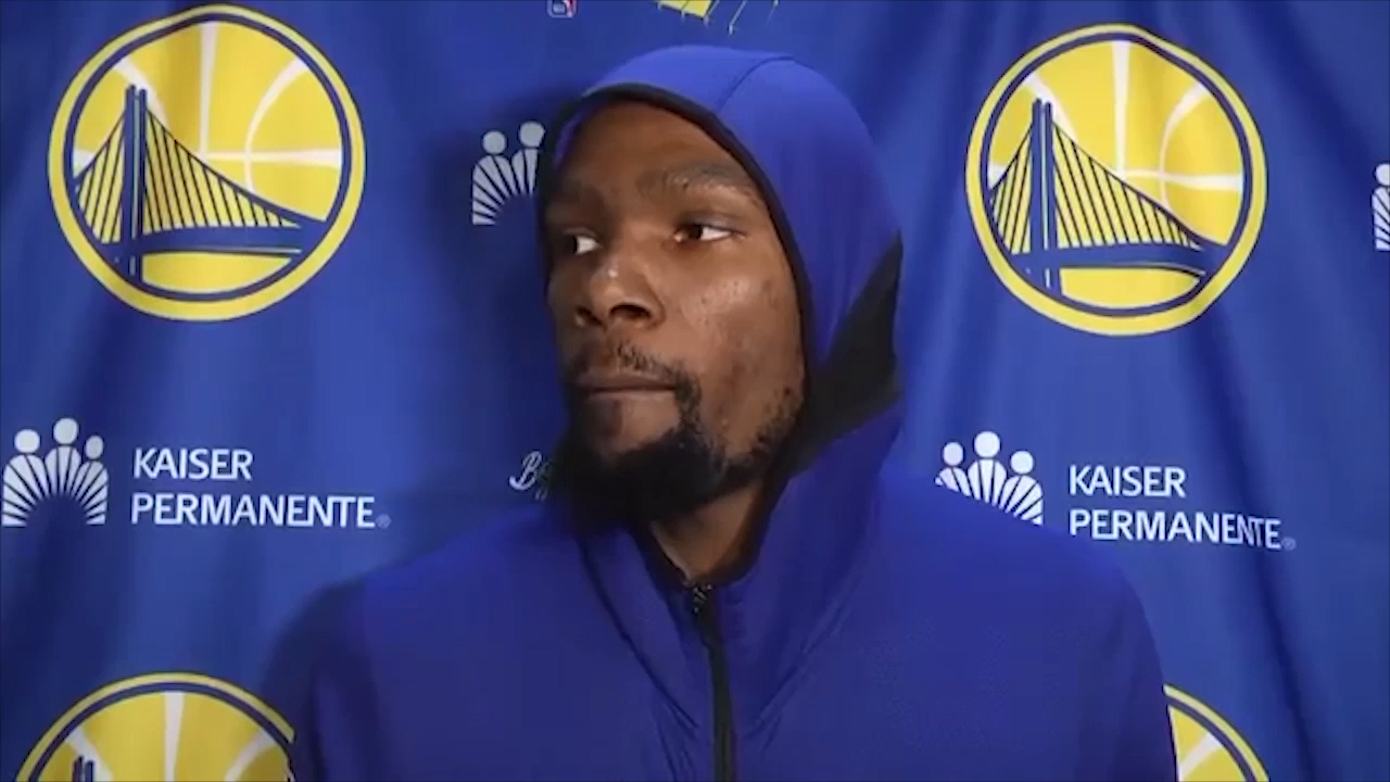 Durant snaps at reporter over Green question