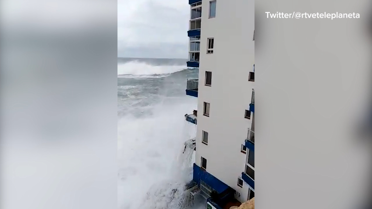 Massive wave pummels buildings on Tenerife coast