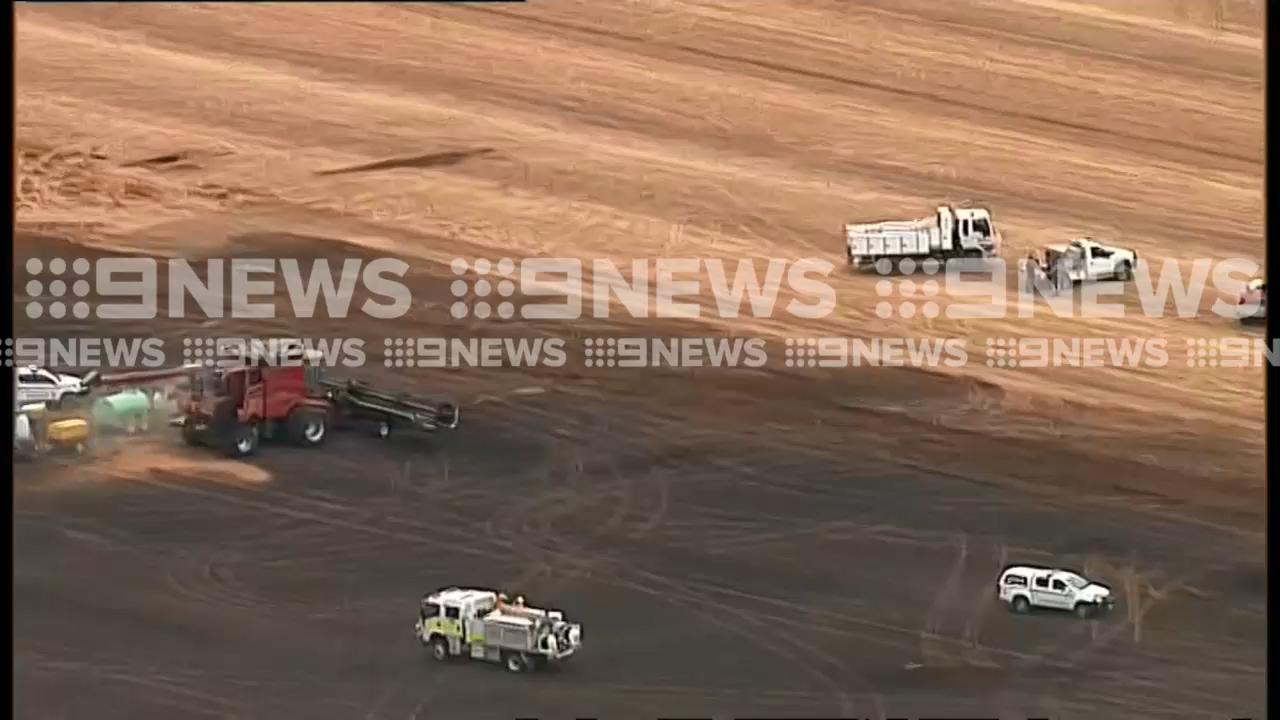 Grassfire threatens South Australian town