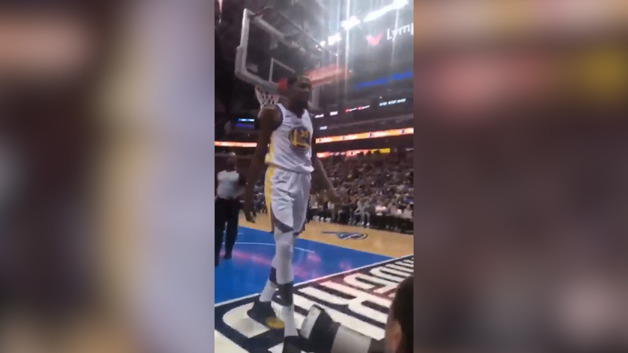 Durant loses his cool at Mavs fan
