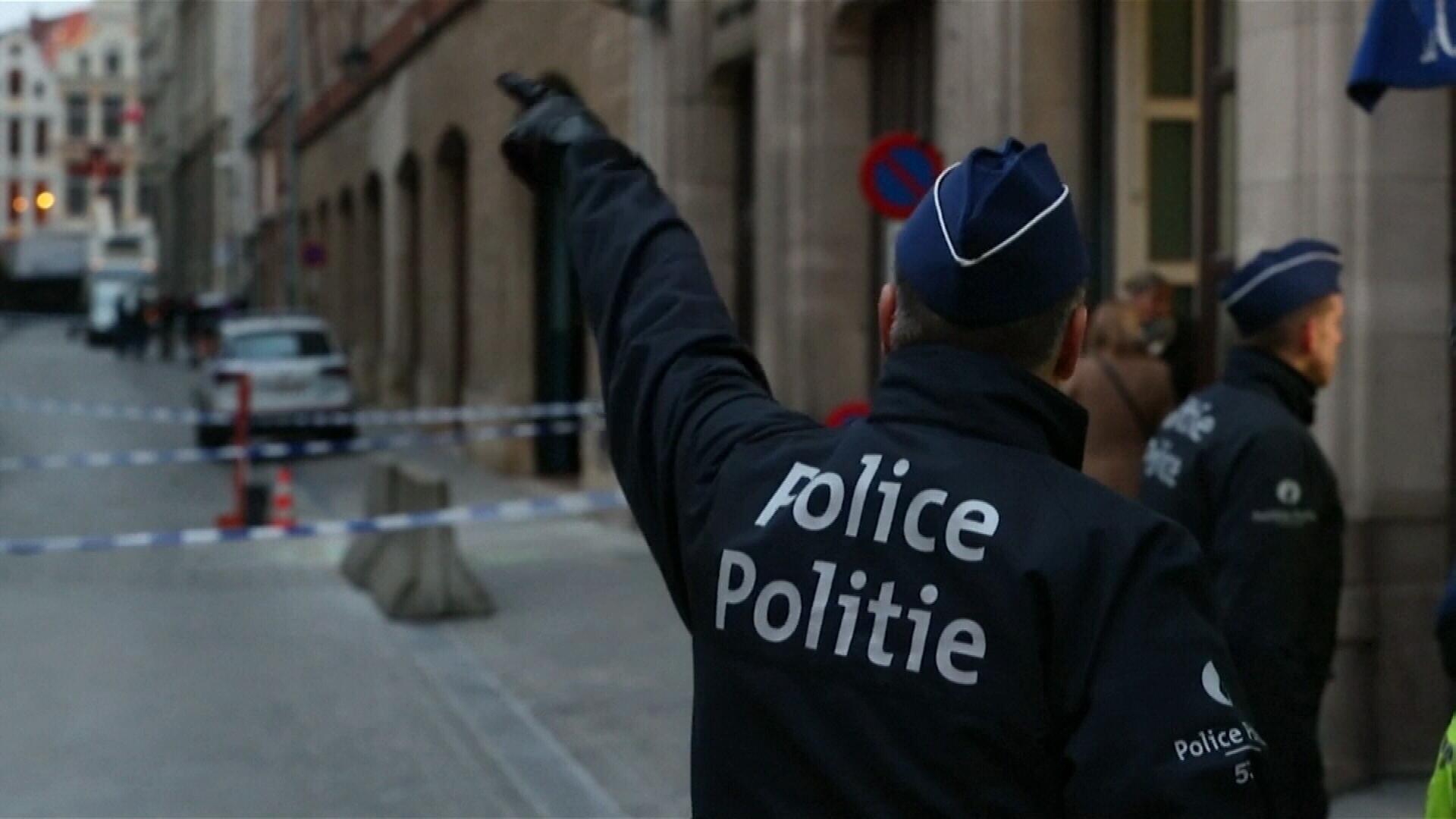 Belgian officer stabbed in the neck