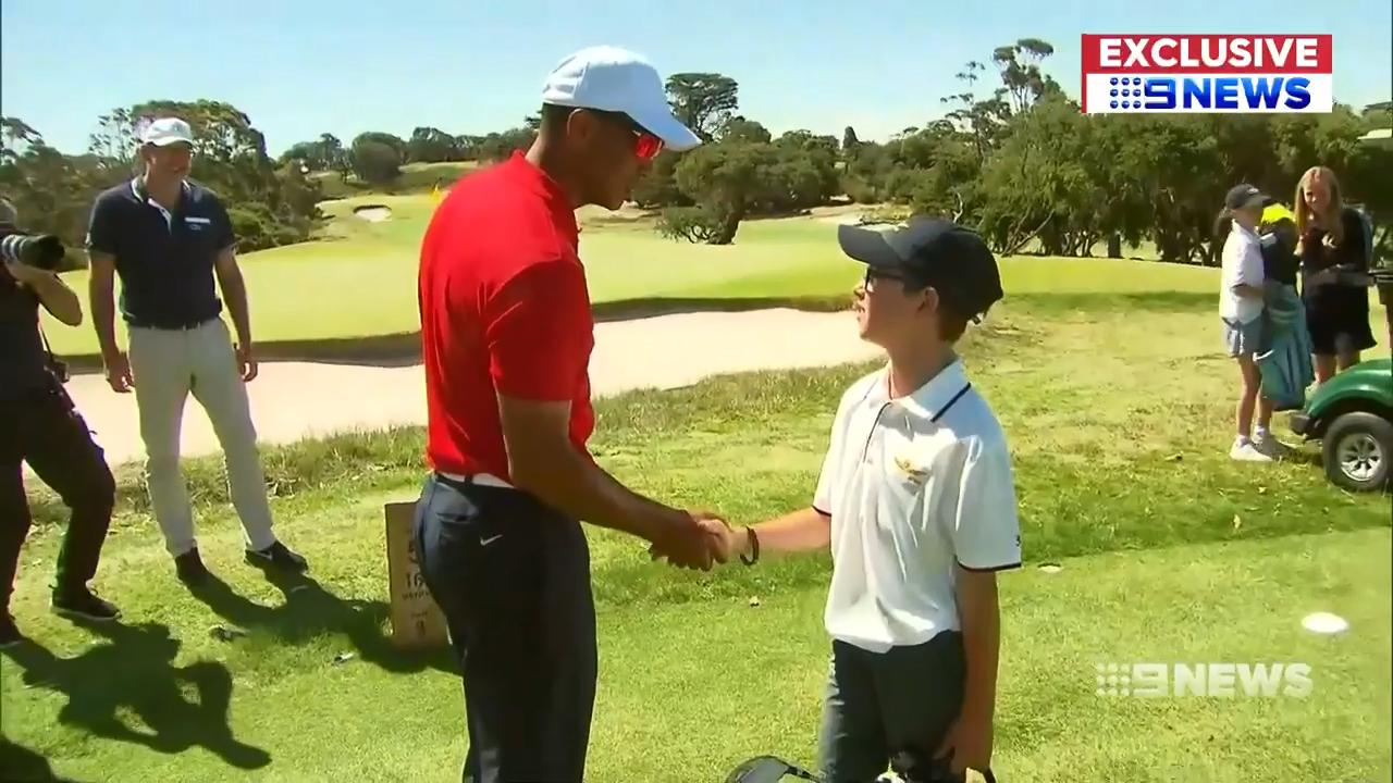 Woods surprises Aussie golfing starlets