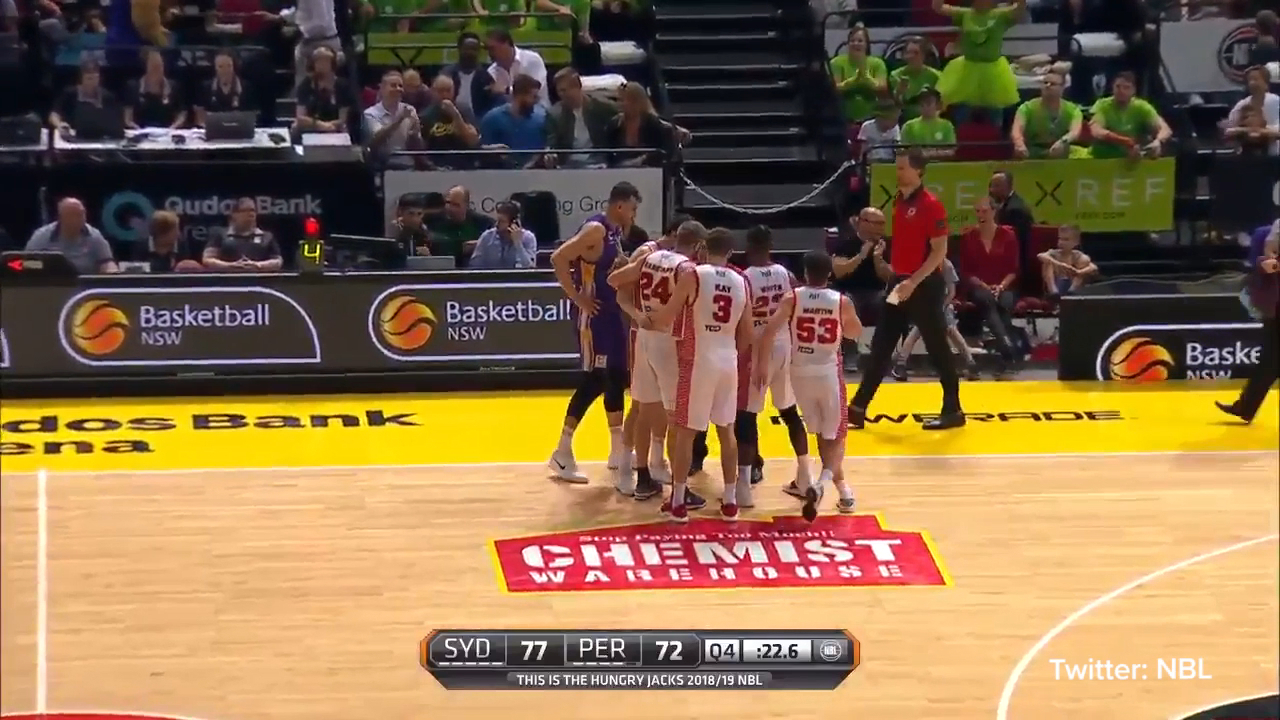 Bogut in scuffle with Wildcats