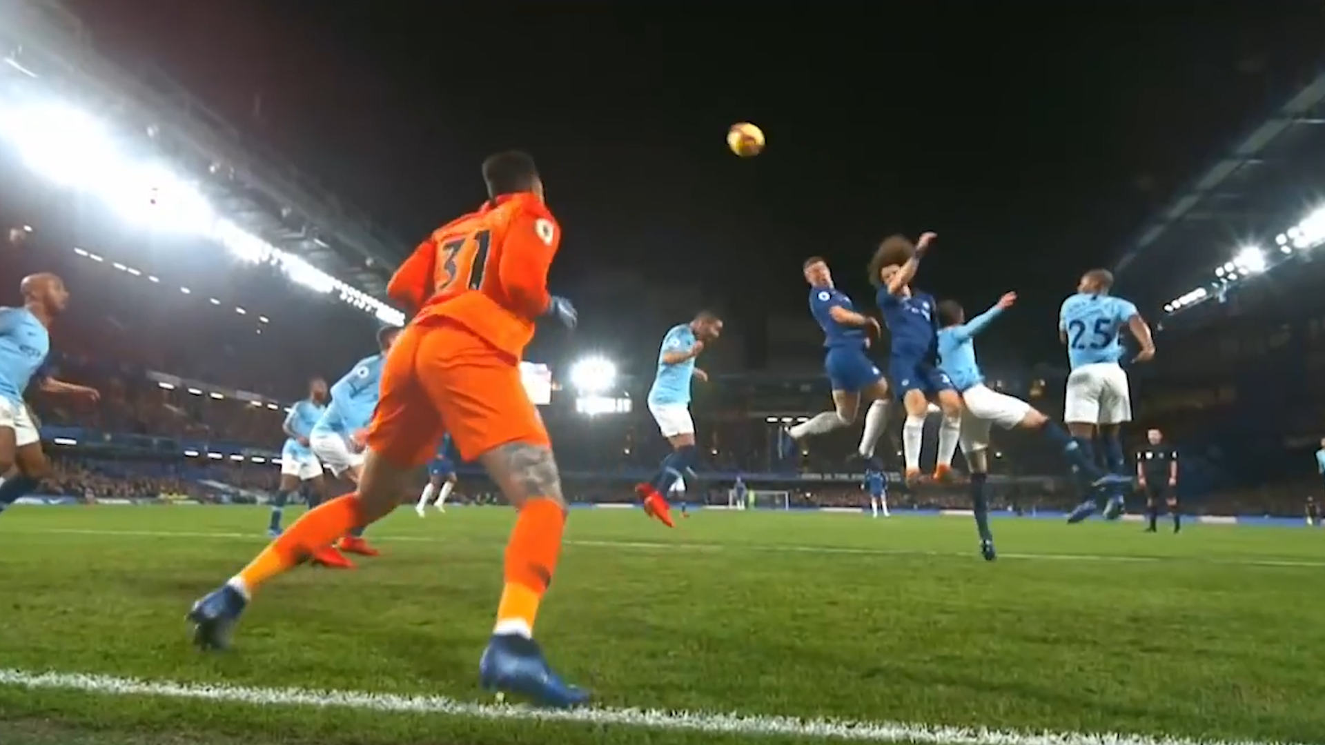 Luiz scores superb header