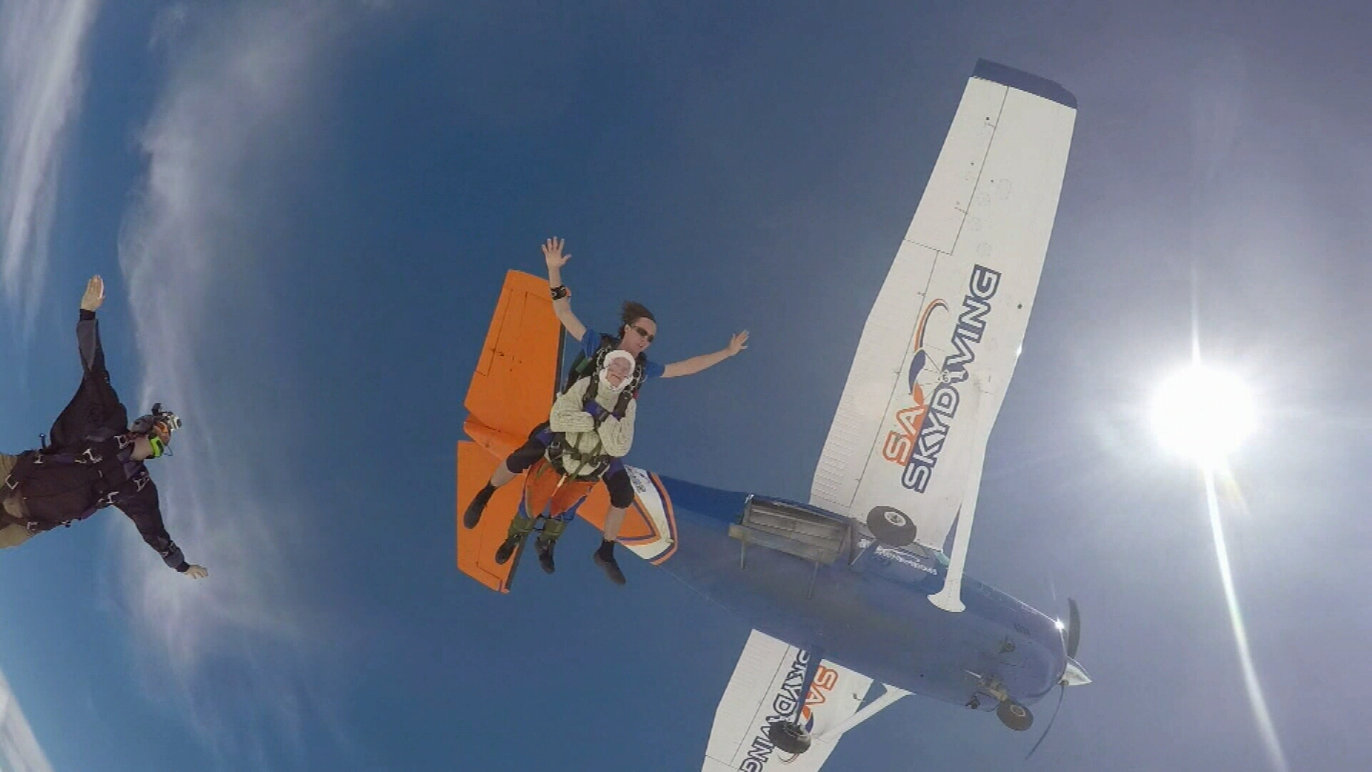 New world record for oldest skydiver