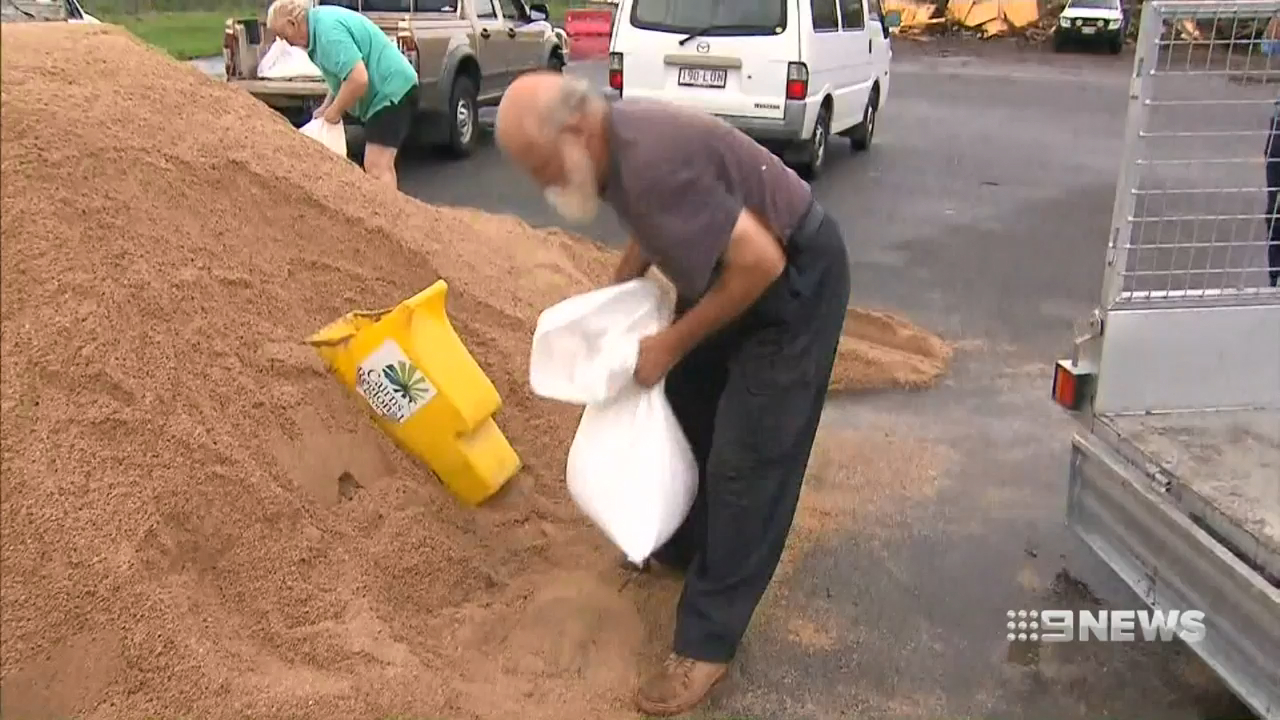Tiny communities in far North Queensland brace for the full force of Cyclone Owen