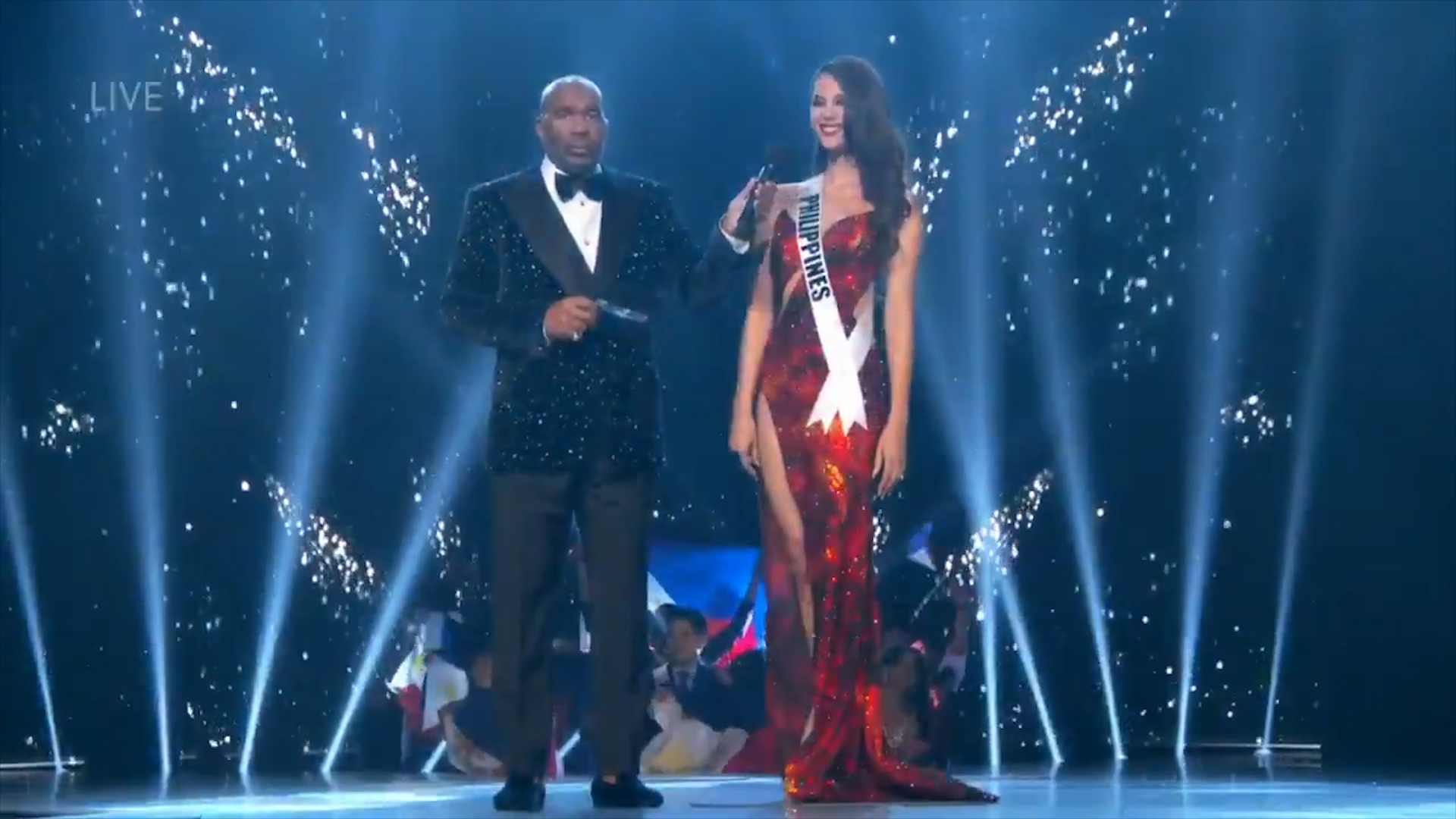 Miss Philippines Catriona Gray wows with her final answer