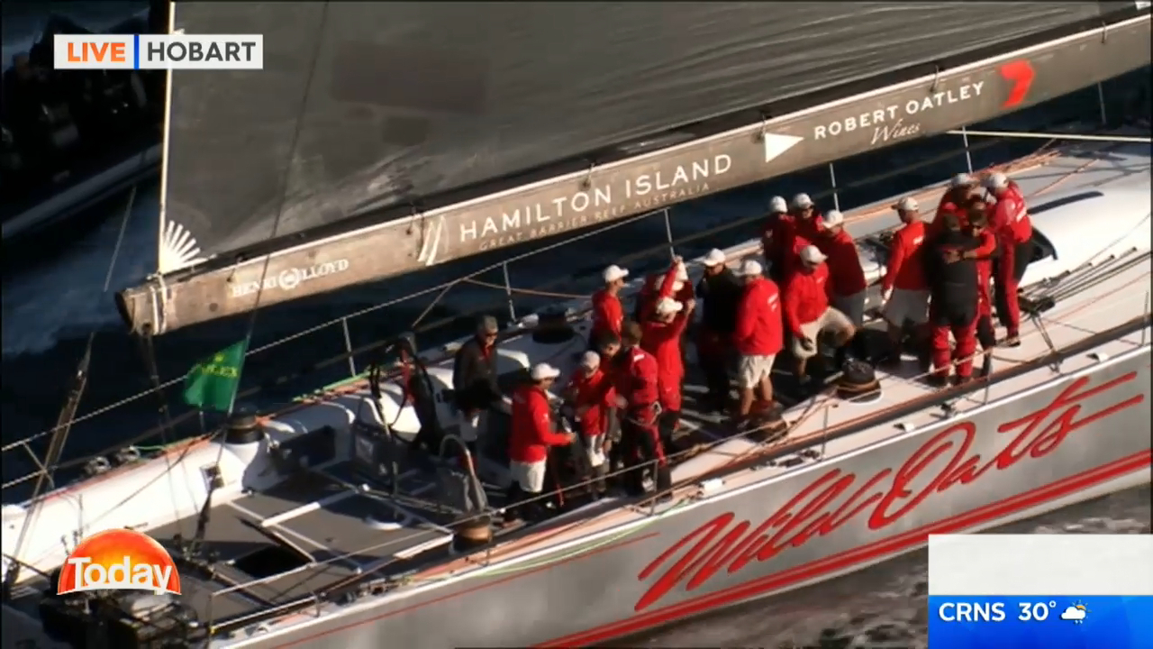 Wild Oats XI takes line honours at Sydney to Hobart