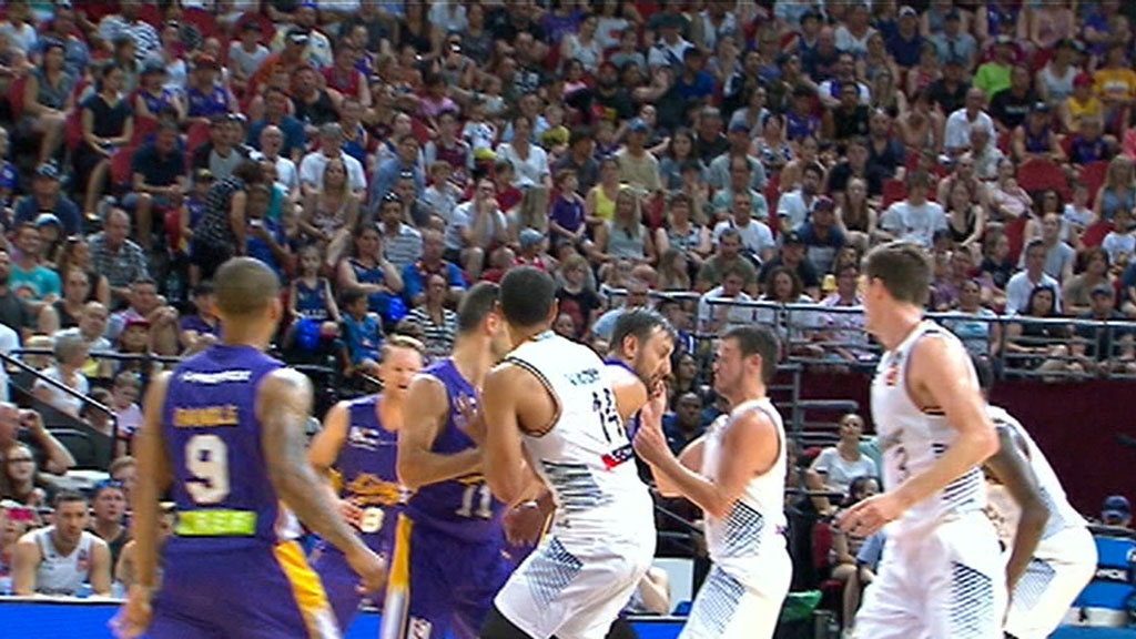 Sydney Kings beat Bullets