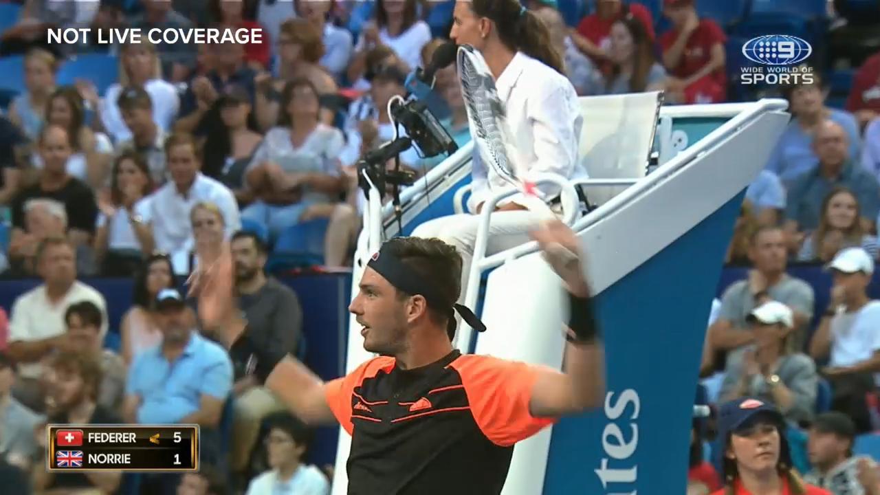 Federer gets off to blistering start Down Under