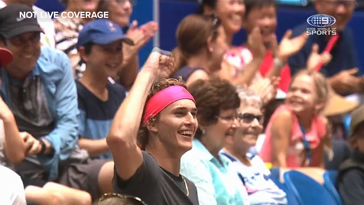 Zverev walks off, becomes a spectator mid-rally