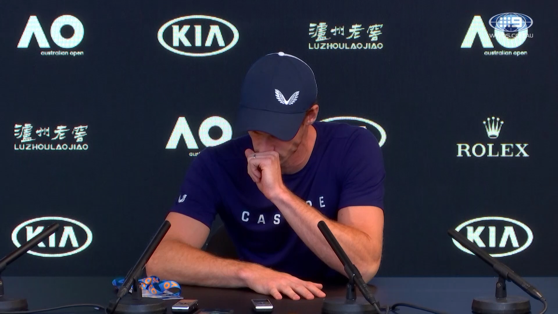 Andy Murray absolutely devastated in first attempt at his press conferece
