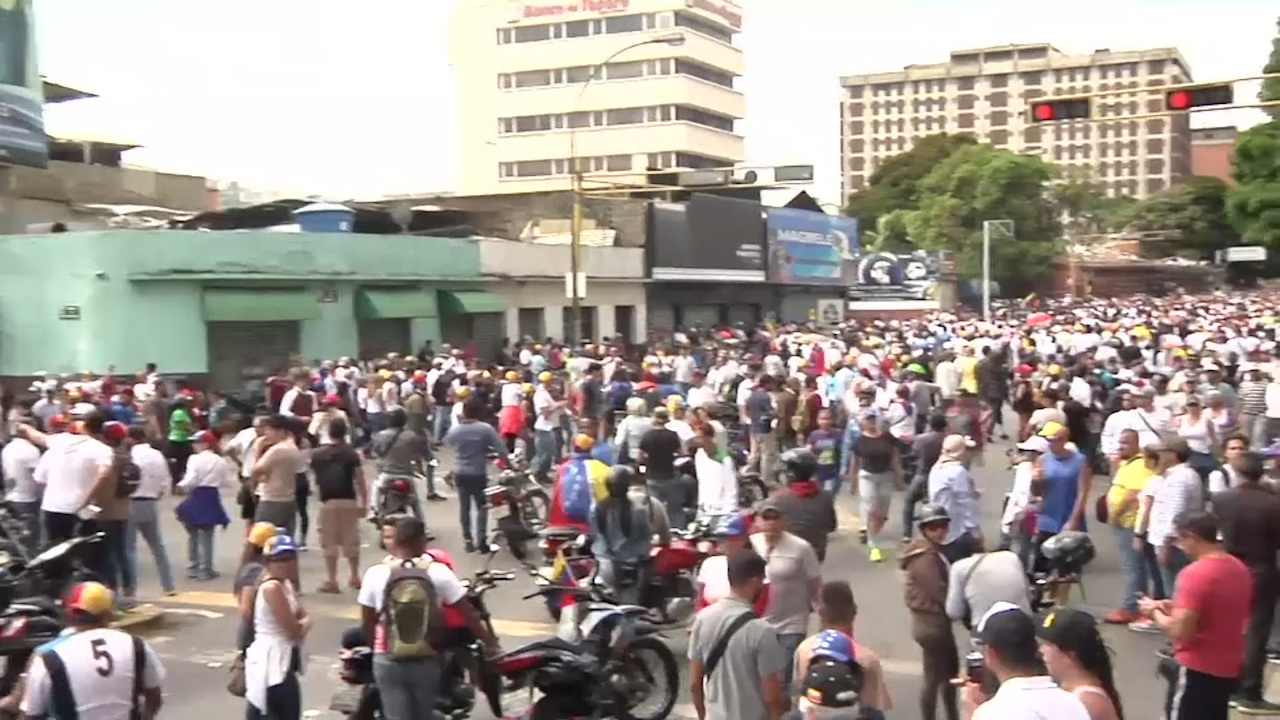 Street protests in Venezuela demand a change of government