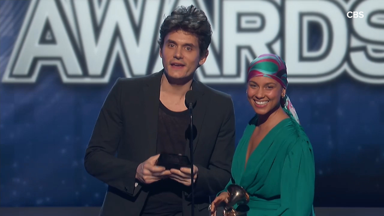 Alicia Keys and John Mayer share sweet moment on stage