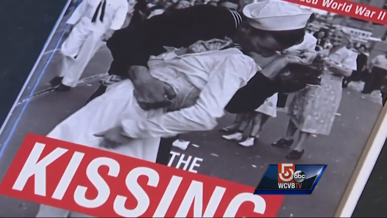 Man in iconic kissing photo reflects on 70th anniversary of end of WWII
