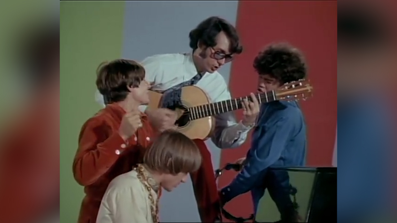 The Monkees perform 'Daydream Beliver'