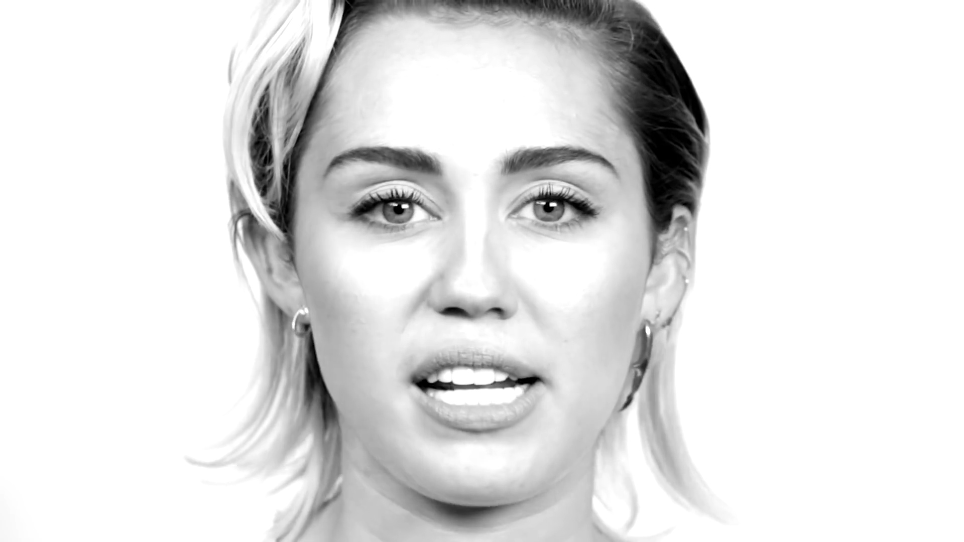 Miley Cyrus talks about her sexuality
