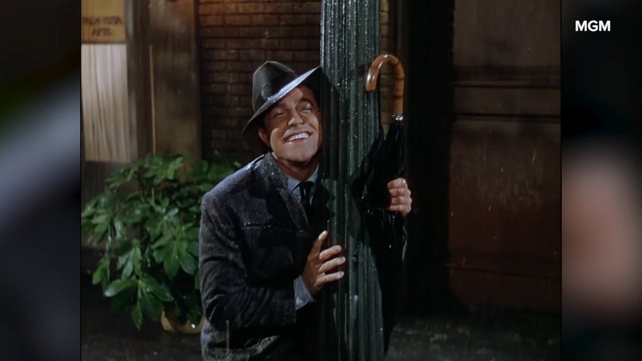 'Singin in the Rain' title song with Gene Kelly