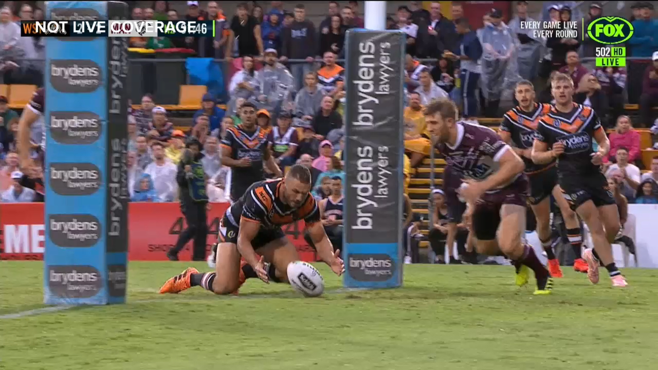 Lucky bounce leads to Tigers try