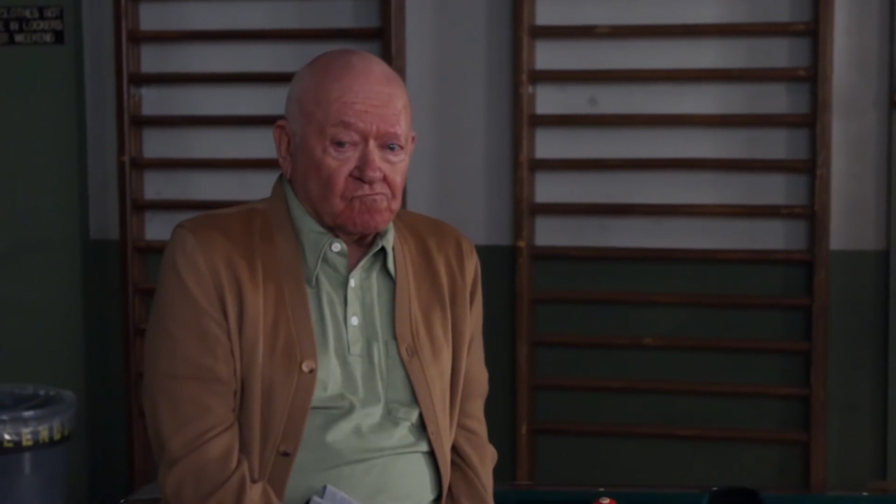 Richard Erdman stars in 'Community'