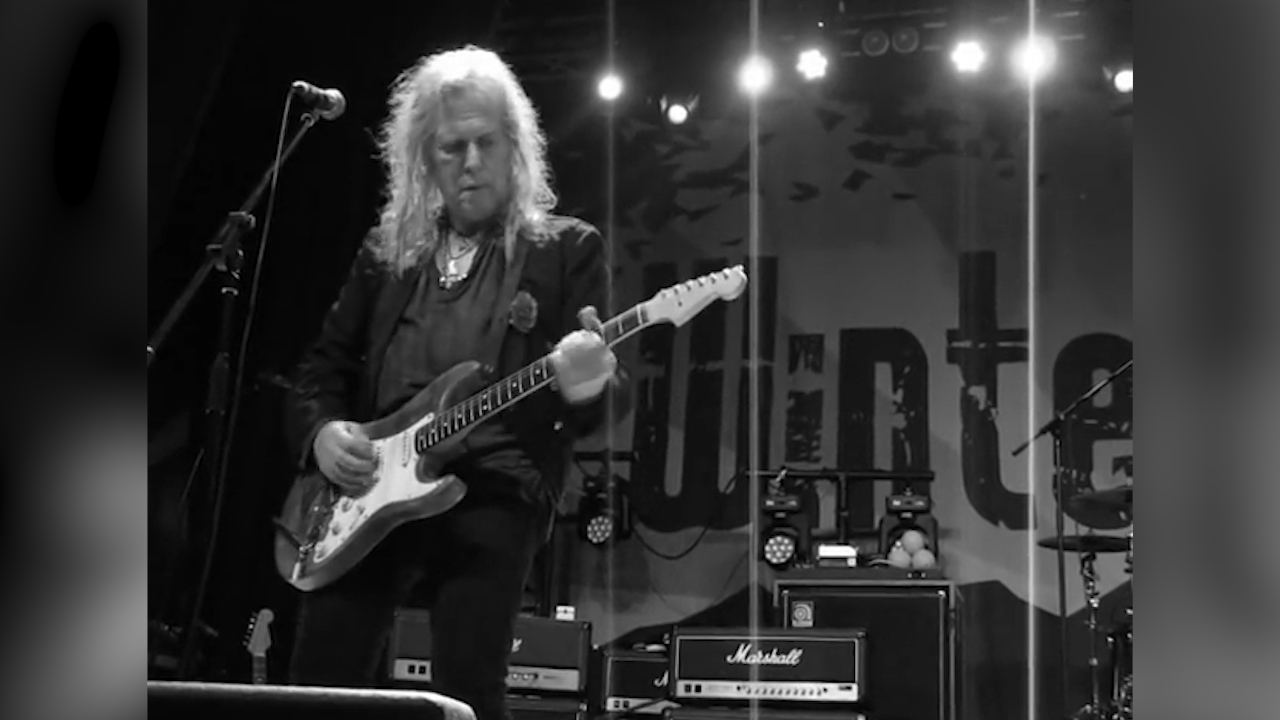 Bernie Torme performs one of his last gigs
