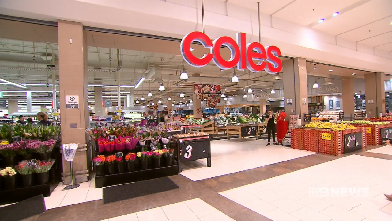 Coles and Aldi axe $1 milk to support Australia's farmers
