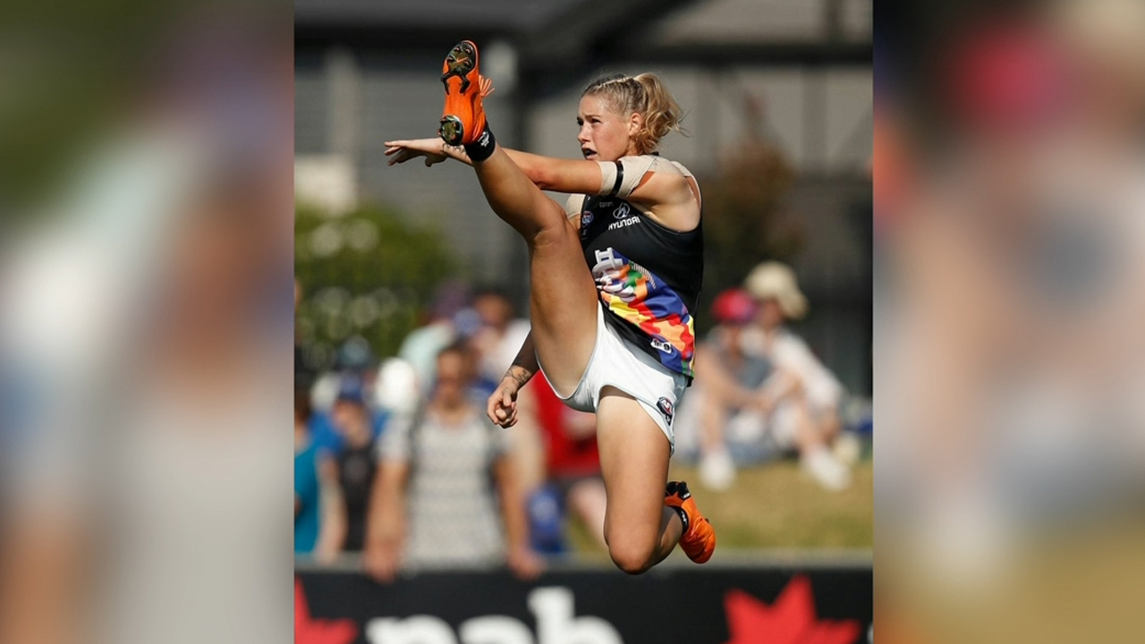 Uproar over AFLW star's amazing photo