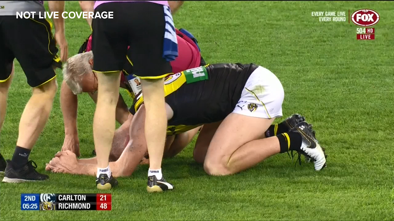 Jones' high hit on Riewoldt