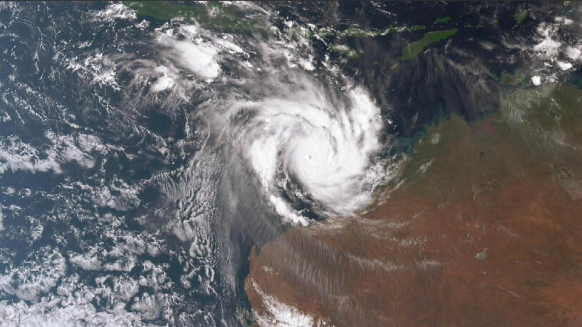 Red alert warning for Cyclone Veronica