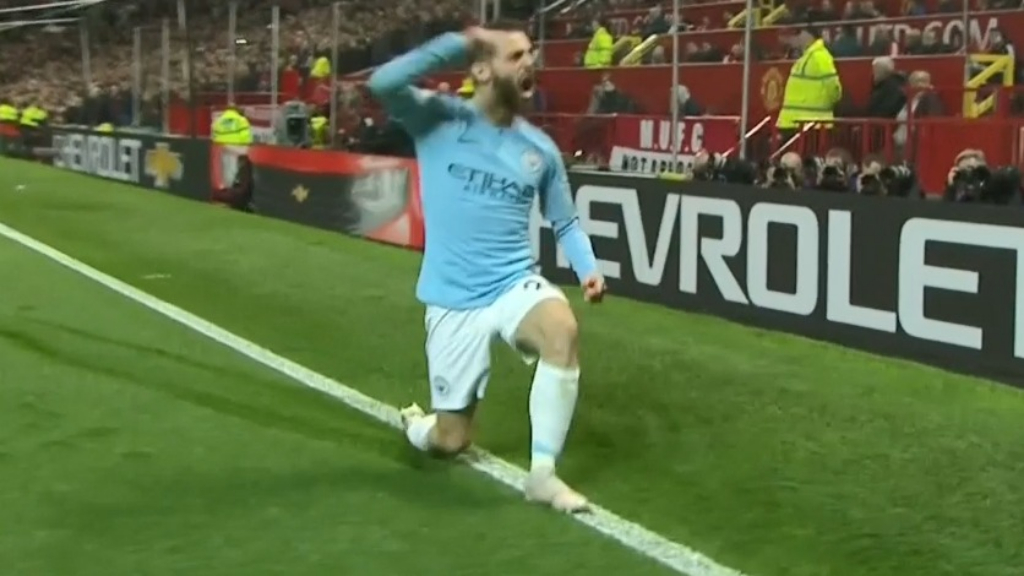 Silva breaks through for City