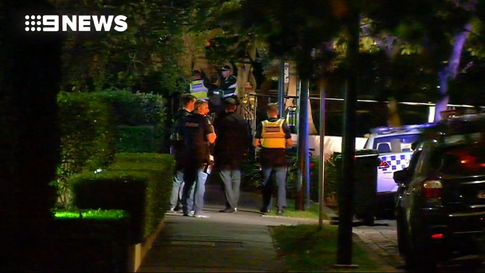 News Victoria: Police hunting suspected killer of crime