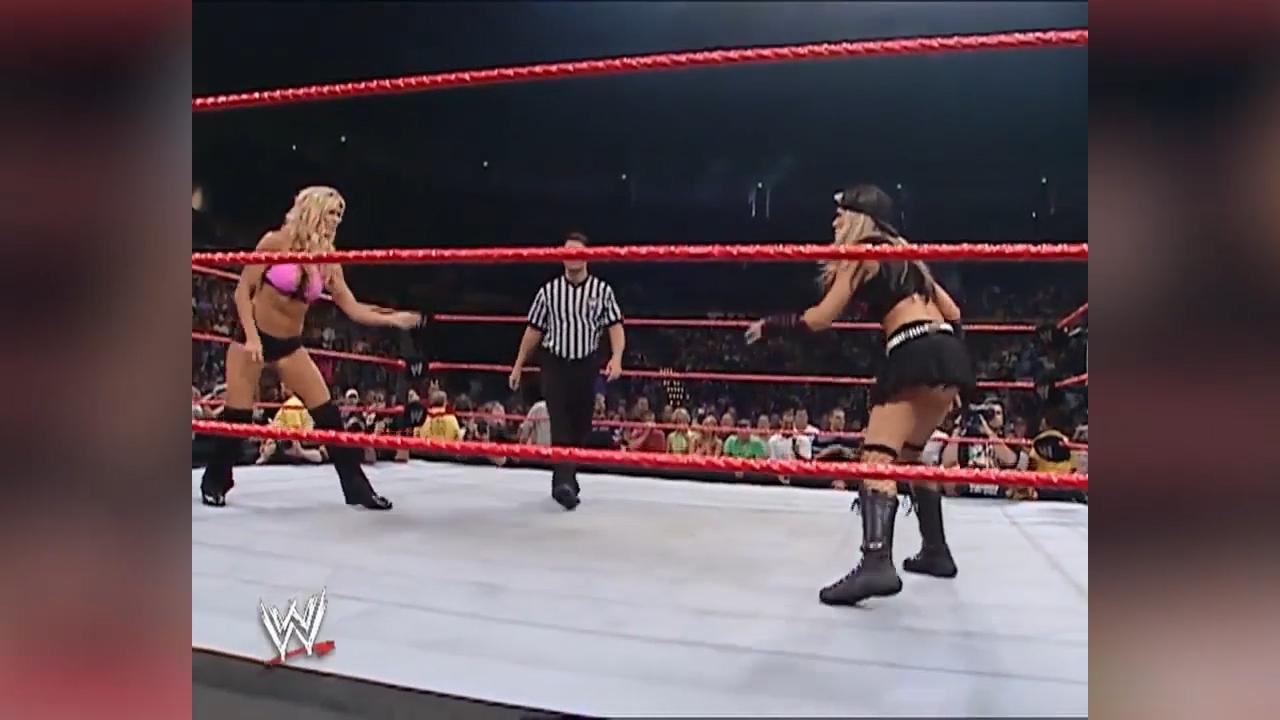 Ashley Massaro vs Torrie Wilson RAW 2005