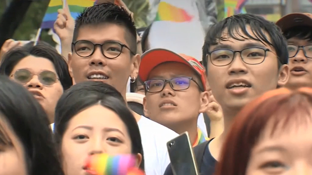 Taiwan approves same-sex marriage