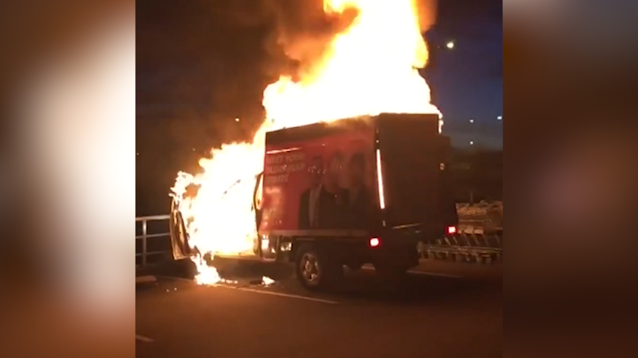 One Nation campaign truck 'torched' following election
