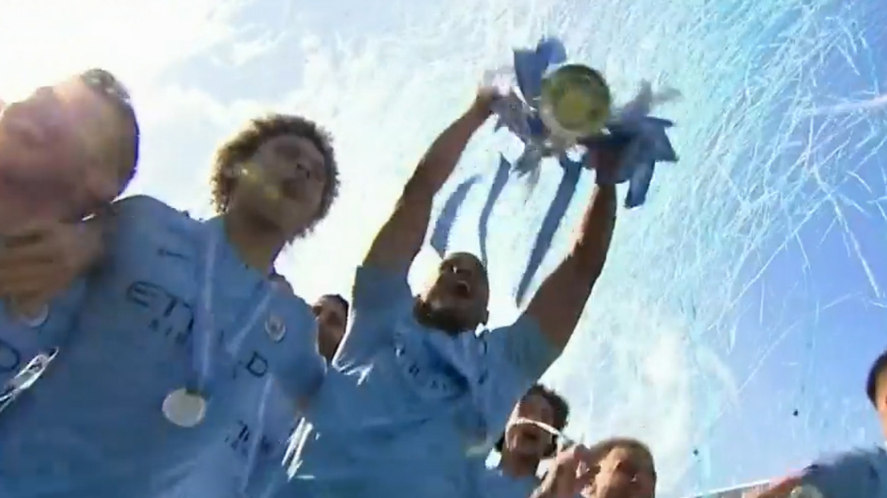 Man City smash EPL trophy