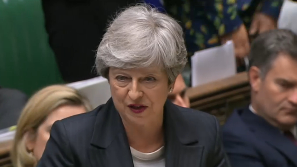 British PM struggles to cling to power