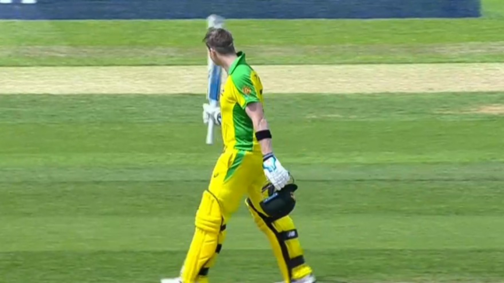 Smith booed during brilliant century