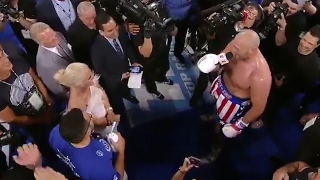 Fury serenades wife and Vegas crowd after win