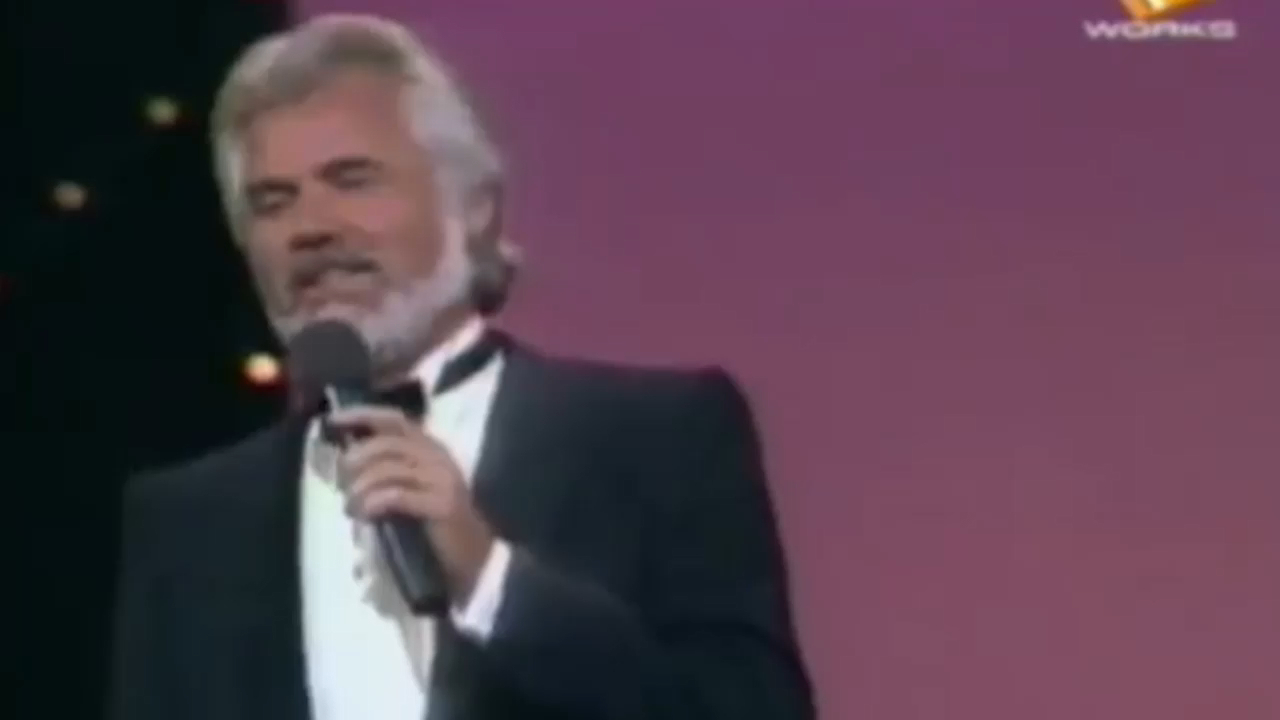 Kenny Rogers and Dolly Parton sing Islands in the Stream