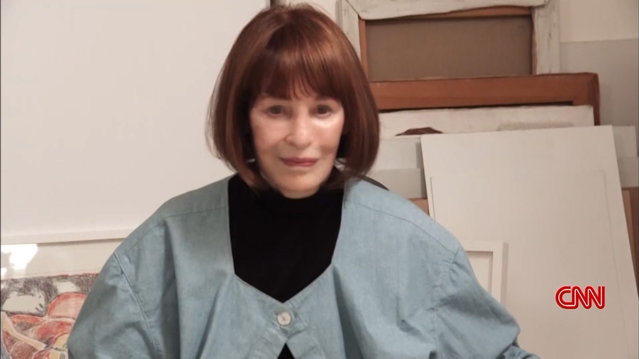 World News: Gloria Vanderbilt fashion designer dead at 95